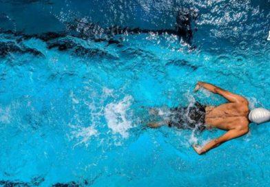 Descubra os benefícios de unir a natação e o Pilates!